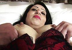 Eine raffinierte Brünette mit schönen Brüsten und schönen muskulösen Beinen ist sehr erfahren im Liebesspiel, sie gefällt einem Mann nach gratis freie sexfilme Bedarf