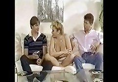 Ein kostenlose erotikfilme für handy Mann entspannt sich mit seinem schicken Liebhaber