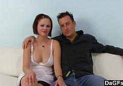 Junge sexy Brünette kostenlose pornos zum anschauen Schlampe wird von zwei Kunden gefickt
