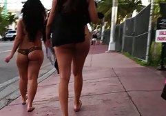 Lustvolle Girls auf der Bühne lutschen kostenlose kurz pornofilme Schwänze