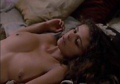 Die vollbusige Latina lutscht einen kleinen Schwanz, masturbiert ihn und füllt ihre Brüste kostenlose sex filme com mit Sperma