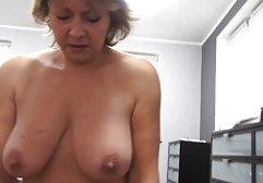 Die geile sexfilme kostenlos Frau fiel geschäftlich aus, der Ehemann beeilte sich, in der Küche etwas zu essen, und dort arbeitet bereits eine hübsche Magd