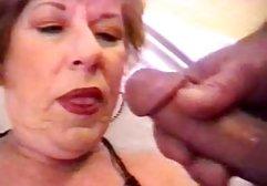 Nachdem sie eine Freundin zum Tee mit Süßigkeiten eingeladen hatte, zog sich die Schlampe sofort aus und packte den Kerl am Schwanz, begann ihn mit ihren Titten zu masturbieren kostenlose perverse sexfilme