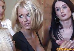 Zwei hübsche Mädchen finden immer einen freien Moment, um sich süßen lesbischen Liebkosungen hinzugeben, und wenn ihre weibliche Begleiterin von einem männlichen Schwanz verwässert wird, tauchen sie glücklich deutsche pornofilme gratis sehen in einen glückseligen klassischen Fick ein