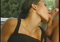 Die Sekretärin fickt sich mit einem dicken Gummischwanz sex filme gratis hd auf einem Sessel